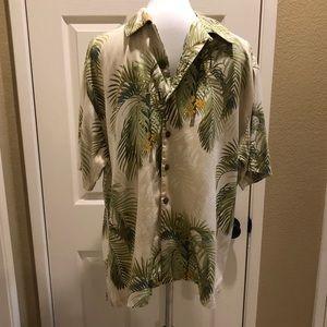 Tommy Bahama 100% Silk Hawaiian shirt in EUC